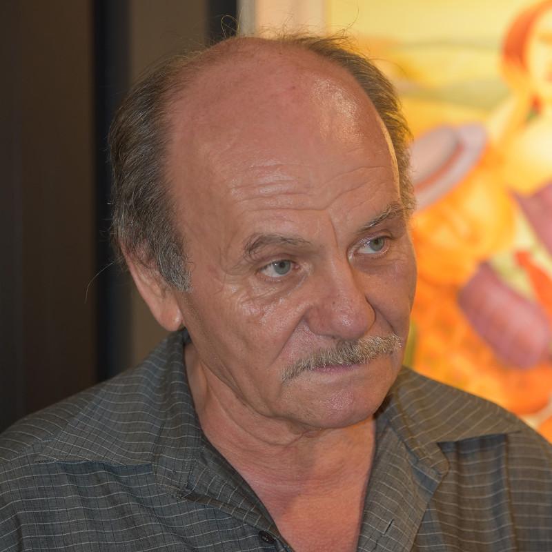 Николай Тихолов
